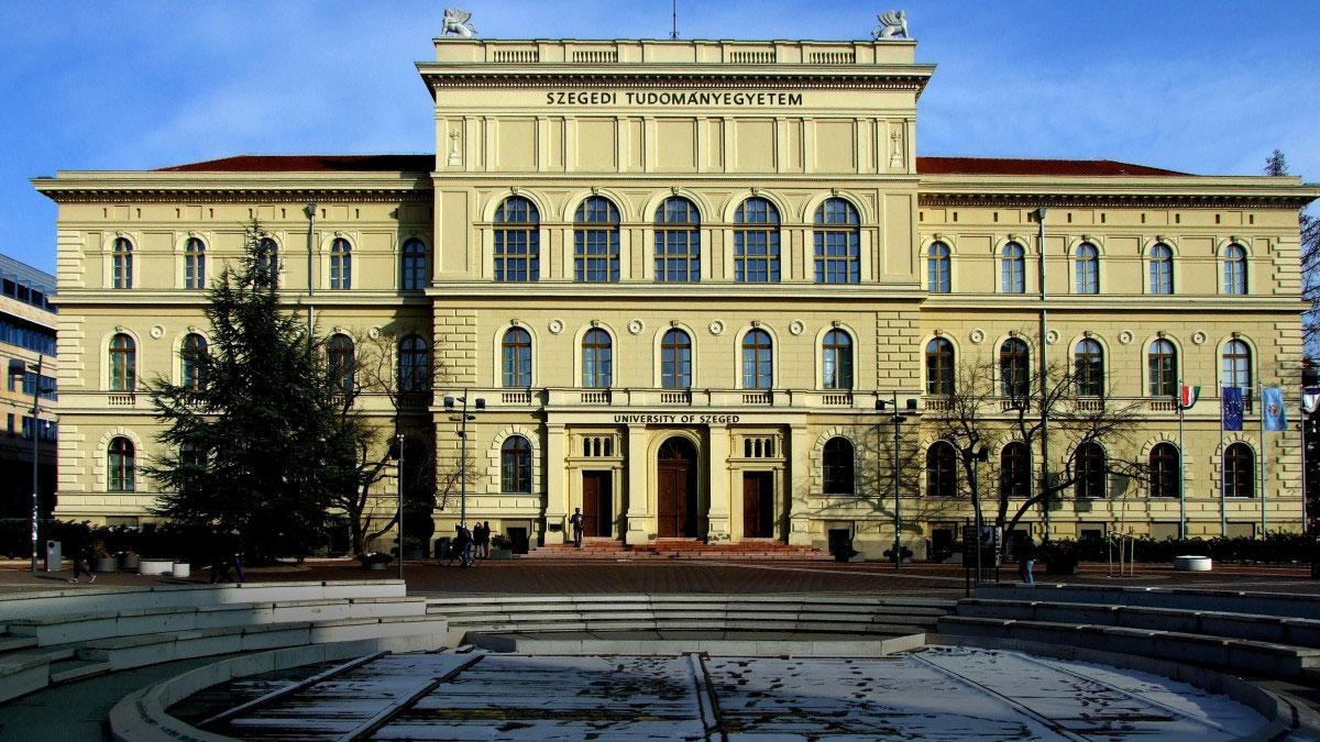 Magyar egyetemek alapítványi kézben - Pulzus közvéleménykutatás