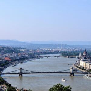 Felhasználóinkat arról kérdeztük, szerintük mi az, ami inkább szükséges Magyarországon a boldoguláshoz.